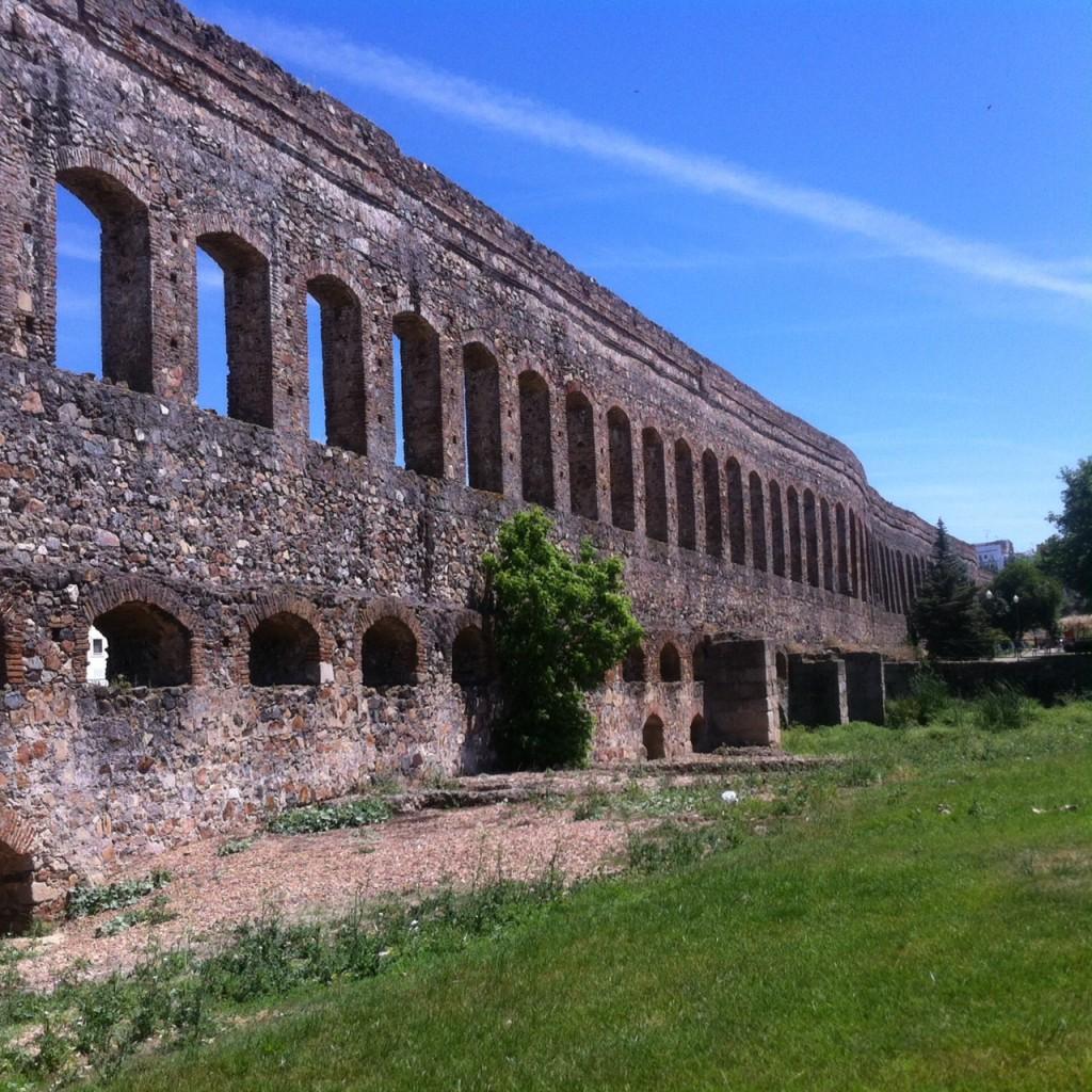scrivere di luoghi - estremadura - acquesdotto romano, merida