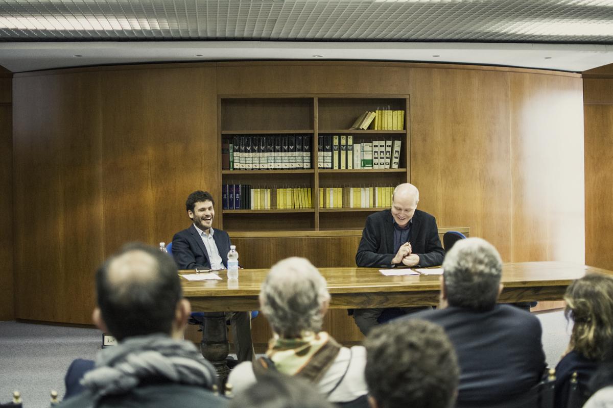 Antonio Bibbò con il Professor John McCourt all'inaugurazione della mostra